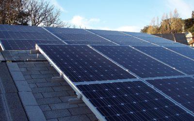 Labour announces solar power hubs for 2,000 community buildings